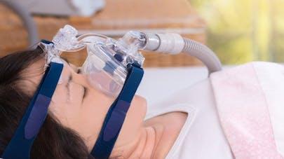 Apnée du sommeil : la moitié des patients se plaignent de leur ...