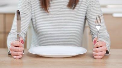Pourquoi la sensation de faim disparait-elle lorsqu'on l'ignore?