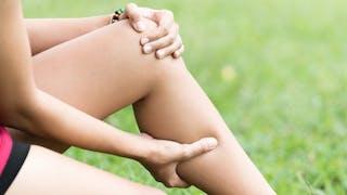 Crampes aux jambes: 5 causes possibles et leurs solutions