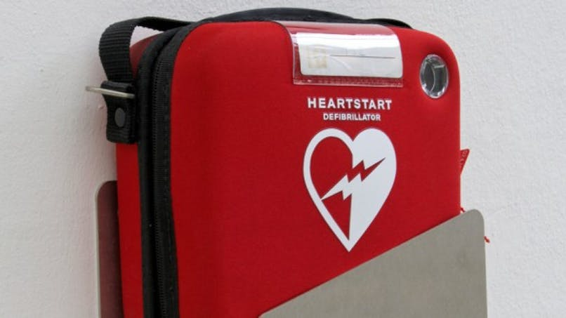 Café et défibrillateur, la bonne formule anti-arrêt cardiaque