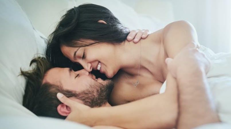 Nudité: comment se sentir plus à l'aise sous la couette