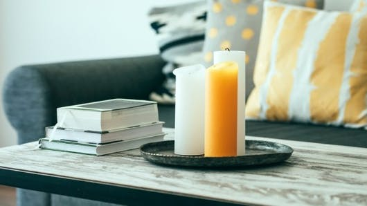 Les bougies parfumées polluent l'air des maisons