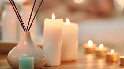 Bougies parfumées et encens: comment les utiliser sans polluer son intérieur