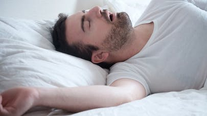 Pourquoi est-il si important de soigner l'apnée du sommeil?