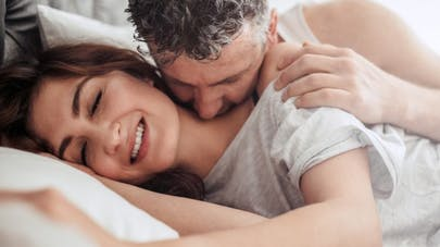 Pendant combien de temps le sexe nous rend-il heureux?