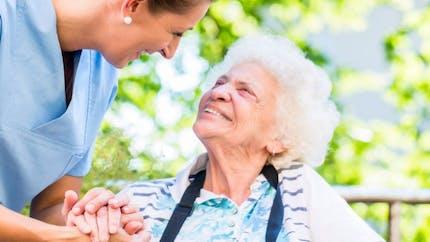 Seniors:  vivre son entrée en maison de retraite sans stress