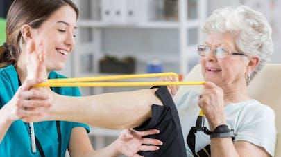 L'exercice physique préviendrait les douleurs articulaires chez les femmes