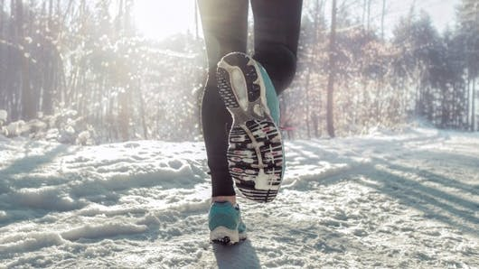 Comment s'équiper pour faire du sport dehors l'hiver