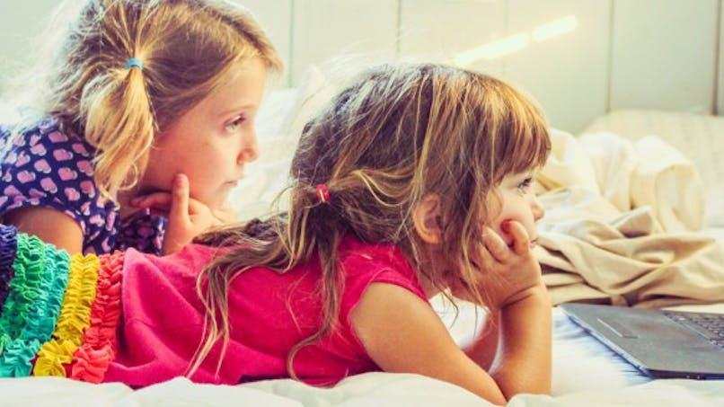 Comment savoir si votre enfant a un problème avec les écrans