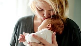 Après l'accouchement : bien vivre les suites de couches et le retour à la maison
