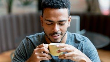 Le café est agressif pour les muqueuses digestives