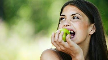 Consommer les fruits en dehors des repas pour mieux les digérer