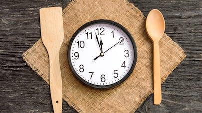 Changer ses horaires de repas pourrait aider à perdre du poids