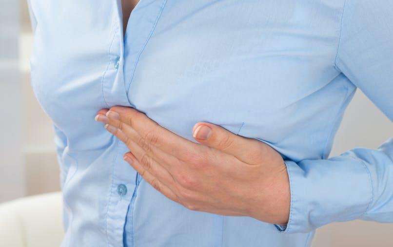 4 raisons qui expliquent des douleurs aux seins