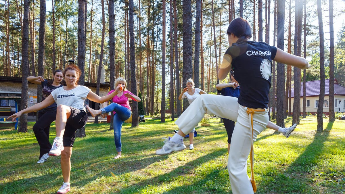 """Des ateliers gratuits """"Parkinson & Capoeira"""" ouvrent à Marseille"""