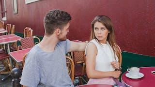 4 choses à savoir sur la phobie du contact humain