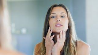 Comment le cycle menstruel affecte notre peau