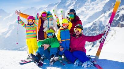 Ski   pourquoi il faut porter des lunettes de soleil   Santé Magazine fe52733667bf