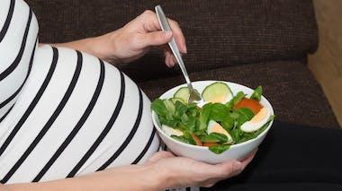 Régime pauvre en glucides et grossesse : attention, danger