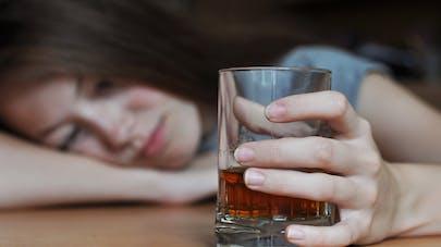 Alcoolisme au féminin: l'envers du décor