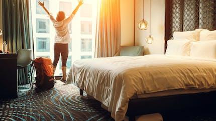 4 astuces pour faire du sport dans une chambre d'hôtel