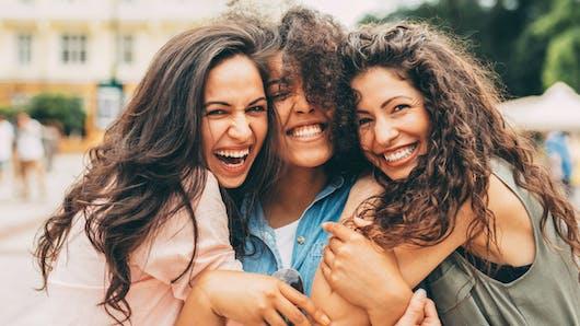 Une centaine de gènes jouent un rôle dans la détermination de la couleur des cheveux
