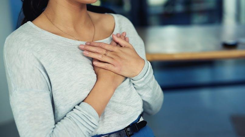 Bien comprendre les douleurs à la poitrine liées au stress