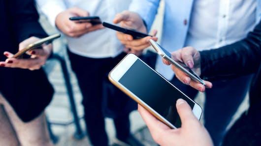 La dépendance numérique augmente la solitude, l'anxiété et la dépression