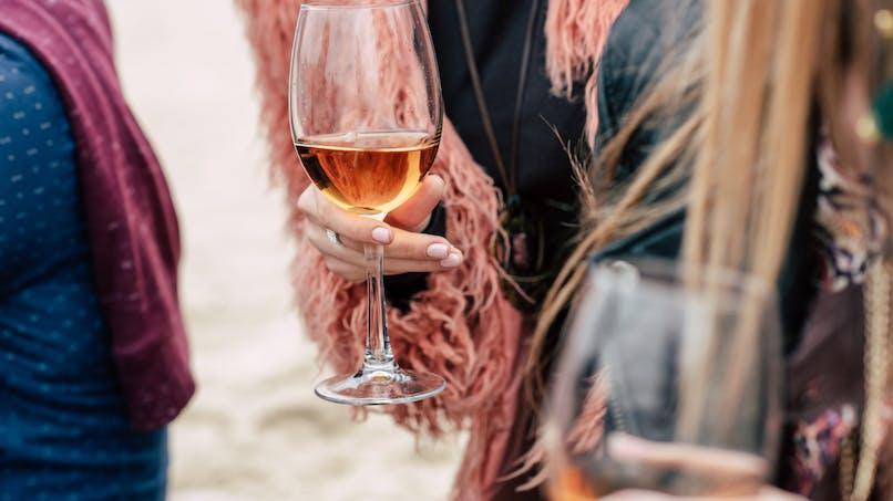 Y a-t-il un lien entre le syndrome prémenstruel et l'alcool ?
