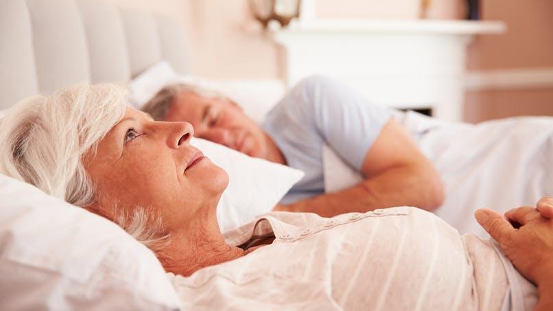 Des soins de nuit pour faciliter l'endormissement des personnes âgées en maison de retraite