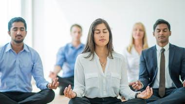 La pleine conscience en groupe utile contre les conflits au bureau