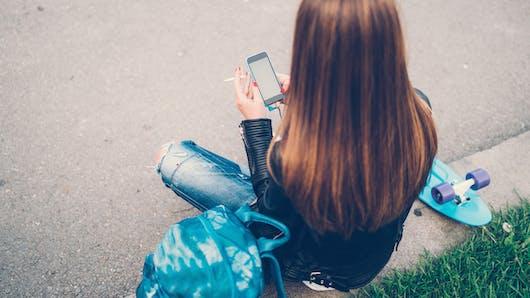 Facebook, une nouvelle méthode pour aider les jeunes à arrêter de fumer ?