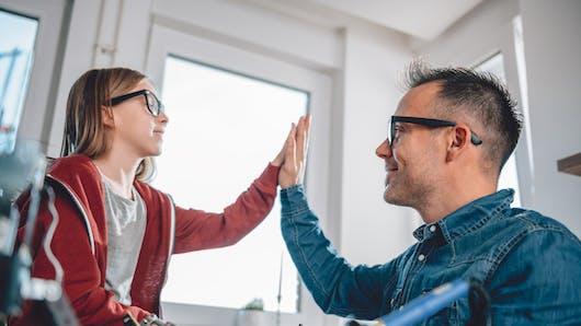 Les porteurs de lunettes seraient plus intelligents, grâce à leurs gènes