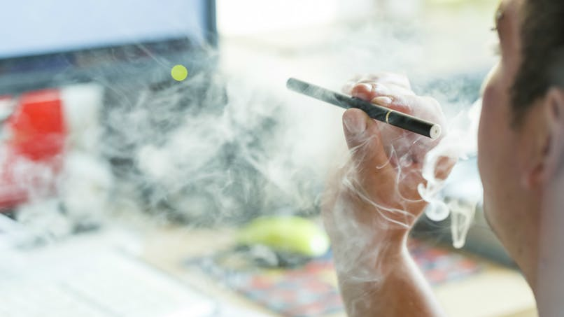 Cigarette électronique: ses effets et conséquences mal identifiés des Français