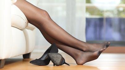 Jambes lourdes, insuffisance veineuse : choisir ses bas de contention