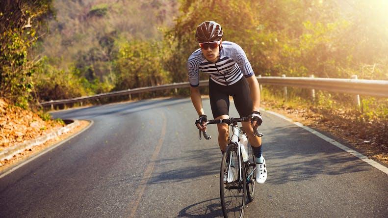 Grimper un col à vélo : 8 conseils santé