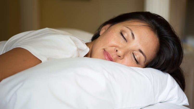 Faut-il dormir moins en vieillissant ?