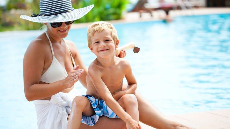 De la crème solaire dès l'enfance permet de réduire le risque de mélanome de 40%