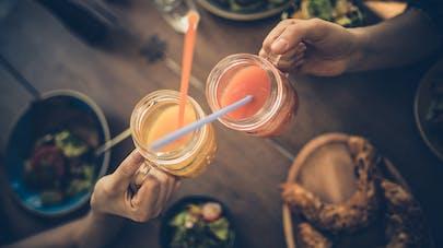 Diminuer l'alcool : 5 astuces pour boire moins