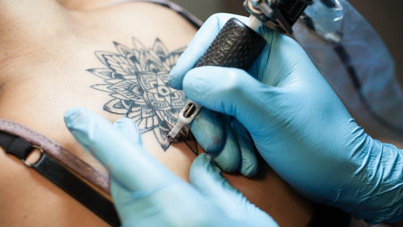 Les encres de tatouage ne seraient pas exemptes de substances cancérigènes