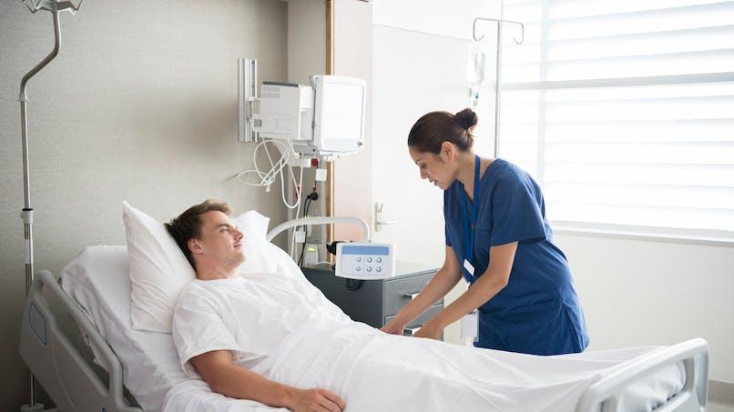 Sortir de l'hôpital avec une décharge médicale yrenvoie dans les 30 jours qui suivent