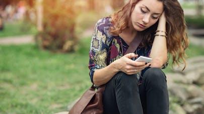 Appels téléphoniques : pourquoi nous rendent-ils anxieux ?