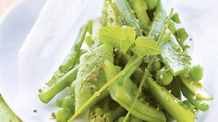 Papillotes de légumes verts et herbes