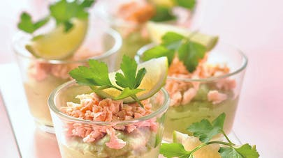 Verrine d'avocat au saumon