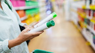 Infertilité, cancer : certains ingrédients cosmétiques en cause ?