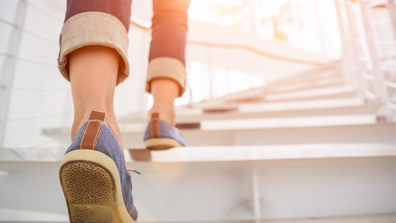 Marche, assis, debout : nos positions affectent notre mémoire
