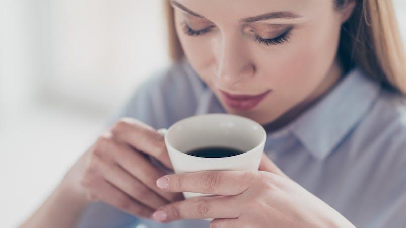 Le café diminuerait le risque de couperose ou de rosacée