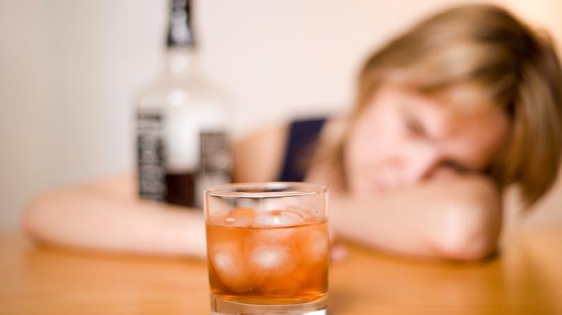 Alcoolisme: le baclofène est officiellement autorisé