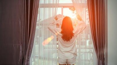 Cancer du sein : moins de risque chez les lève-tôt ?