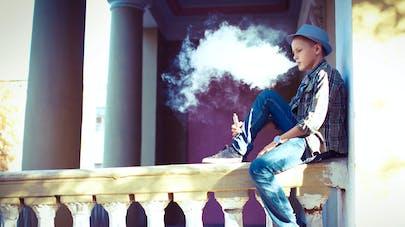 adolescent et E.cigarette